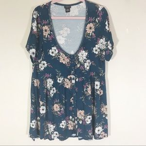 Torrid blue floral shirt sleeve baby doll top 2X